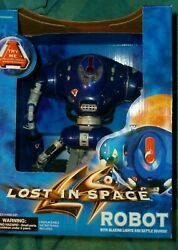 Lost In Space Robot With Lights And Battle Sounds 1997 Trendmasters