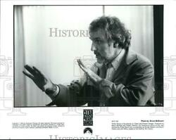 1994 Press Photo Director Phillip Noyce On Set Of Clear And Present Danger.