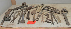 25 Vintage Farm Tractor Implement Mechancis Wrench Collectible Early Tool Lot Z7