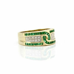 0.90ctw Emerald And 0.10ctw Pave Diamond Ring In 18k Yellow Gold