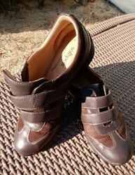 Womens Size 9.5w Soft Spots Brown Leather Sneakers