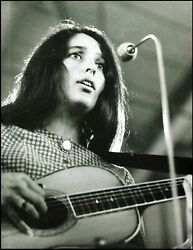 Joan Baez With Her Vintage Martin 0-45 Small-body Acoustic Guitar Pin-up Photo