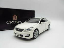 1/30 Crown Athlete Series 200 Color Samples Novelty Minicar White Pearl Crystal