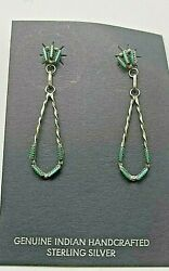 Beautiful Delicate Vintage Zuni Turquoise Sterling Silver Petite Point Earrings