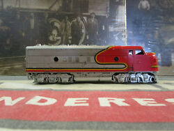 Ho Scale Santa Fe F7a Diesel Locomotive Non-powered, Pass. Scheme By Athearn