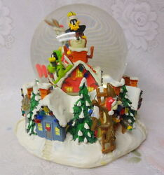 Vintage Warner Bros Store Christmas Lighted Musical Snow Water Globe Dome Rare