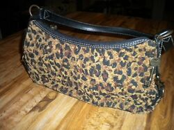 FOSSIL TAPESTRY STYLE SHOULDER BAG WITH STUDS KEY SIDE LOBSTER CLAW CLASP DECOR