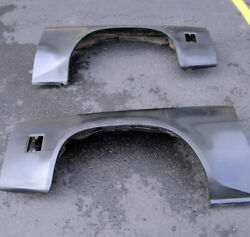 1973-77 Chevelle Malibu Pair Fenders New Gm Nos Old Stock 359901 / 359902