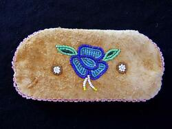 Rare 1920and039s-1930and039s Alaskan Native American Hand Beaded Deerkskin Pouch 6 X 3