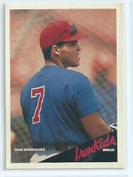 Ivan Rodriguez 1997 Earthgrains Iron Kids Bread Card
