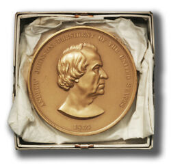 Usa Andrew Johnson Presidential Medal Bronze 77 Mm With Box