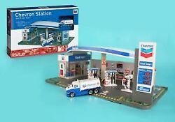 Rt187215 Real Toys Chevron Gas Service Station And Food Mart Toy