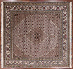 10' Square Traditional Handmade Wool And Silk Rug - P9470