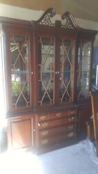 Fine China Cabinet Great Condition