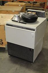 International Equipment IEC B-22M Centrifuge IEC WITH ROTORS WORKING