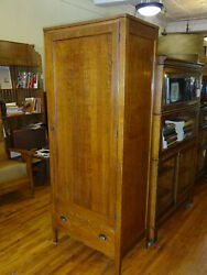 Antique Quartered Oak Clothing Wardrobe/armoire 1920and039s Arts And Crafts