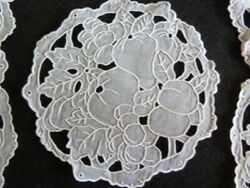 Unused Vintage Set 12 Hand Embroidered Madeira Leacock Cocktails Or Doilies