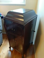Vintage Victrola Phonographmusic Cabnet. Museum Conditionsounds Great Extras
