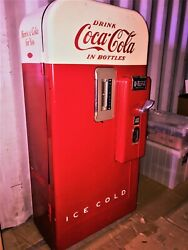 Vintage Coca Cola Machine Color - Red And White In Good Condition And Works