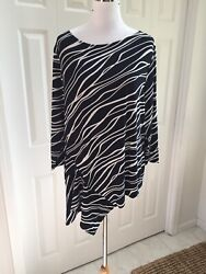 Nwt Chicos Travelers India Ink Blue White Waves Asymmetric Top Chicoandrsquos 3 Xl
