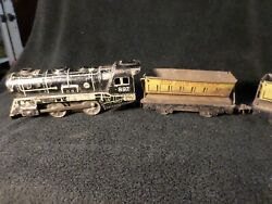 Vintage Marx Wind-up Train W/ Key And 2 Train Cars 897 And 2-567 Made In The Usa