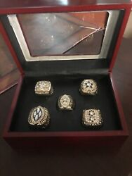 Dallas Cowboy Champion 5 Ring Set With Cherrywood Box Plastic Cover Cracked