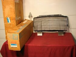 83 84 85 Buick Riviera Nos Grille With Chrome Moulding Gm Pt 25515948 2551515983