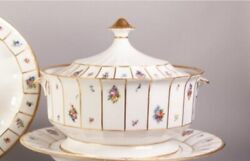 Royal Copenhagen And039and039henrietteand039and039 Vegetable Serving Tureen With Lid And Underplate