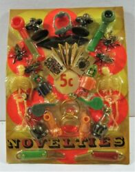 Robots King Kong Charms Toys Prizes Old Gumball Vend Machine Display Card 370
