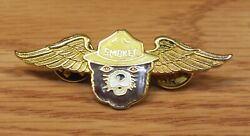 Vintage Smokey The Bear Collectible Gold Tone Wings Pin / Hat Lapel Read