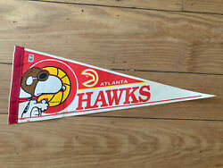 Vintage Altanta Hawks Snoopy Pennant 1965 United Feature Syndicate Wincraft
