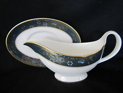 Royal Doulton - Carlyle - Gravy Boat And Stand