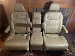 2010 Honda Odyssey Exl Tan Leather 2nd Row Seats-excellent Condition.
