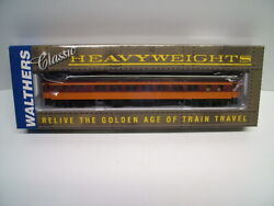 Walthers 932-10212 Milwaukee Road Ho Scale Pullman Heavyweight 14 Section
