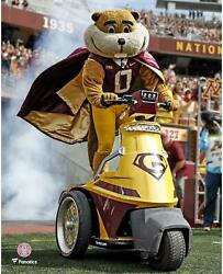 Minnesota Golden Gophers Unsigned Goldy Gopher Pre-game 8 X 10 Photo
