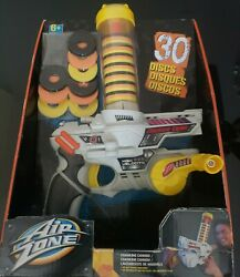 Toys R Us Air Zone 30 Disc Gun Kids Toy Cranking Cannon Shooter New 2013 Rare