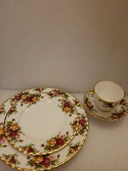 Royal Albert England Old Country Roses Salad Plate Dinner Plate Cup Saucer Set