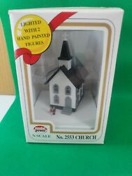 Model Power Church 2553 N Scale Lighted With 2 Hand Painted Figures Nib