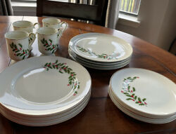 Beautiful Vintage Christmas Dish Set From Japan 16 Pieces