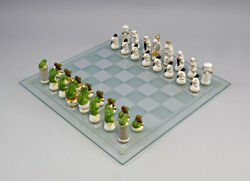 9941261 Ens Porcelain Figurine Chess Game Mice White Vs Frogs Green H4-2 5/8in