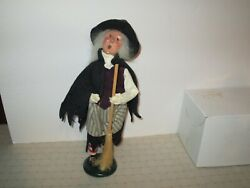 Byers Choice Spooktacular 2001 Halloween Witch With Broom New
