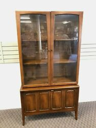 Mid Century Modern China Cabinet Vintage Hutch Console Credenza Bar Broyhill 60s
