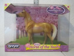 Breyer 2014 quot;Horse of the Yearquot; Amelia 1:12 NEW IN BOX