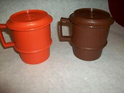 Lot Of 2 Vintage Tupperware 1312 Coffee Tea Mug Stackable Cups With 1313 Lids