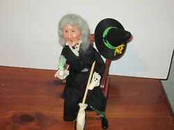 Byers Choice Spooktacular 2017 Halloween Witch With On Rocking Chair Signed