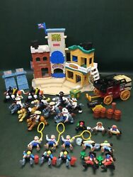 Vtg 1996 Fisher Price Great Adventure Wild Western Town Little People amp; Horses