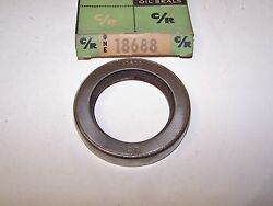 1953-1954 Chevy Cast Iron Powerglide Transmission Oil Seal C/r 18688