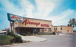 C1950s Airways Hotel At The Airport - Buffalo New York Postcard