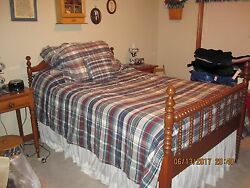 Antique Early 1900's 3/4 Spool Bed With Mattress
