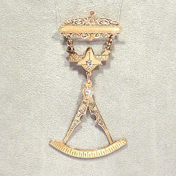 Antique Solid 14k Yellow Gold And Diamonds Past Master Masonic Medal
